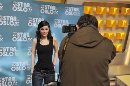 Lena Meyer-Landrut  - Backstage Photocall