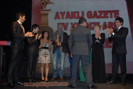 Kadir Dogulu - Küçük Sirlar Cast - ayakligazete.com Awards, April 5, 2011 - Arrivals