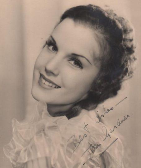 Joan Gardner picturegoer postcard