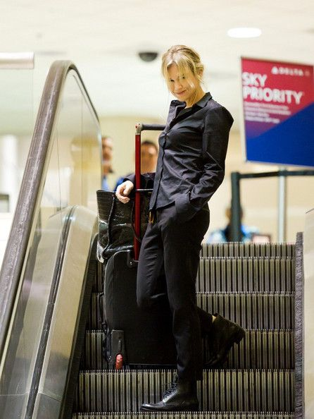 Renee Zellweger arrives at Los Angeles International Airport (LAX)