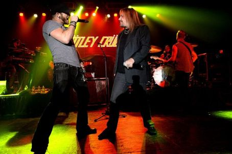 Brantley Gilbert Vince Neil performs at the 2014 Big Machine Label Group Show on February 19, 2014 in Nashville, Tennessee