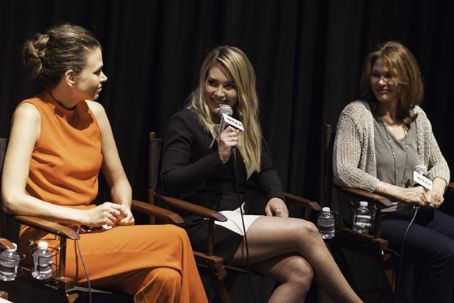 'Younger' Stars and Creator Talk Bridging Generational Divide With Snapchat (Video)
