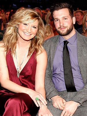 Jennifer Nettles Gets Married!