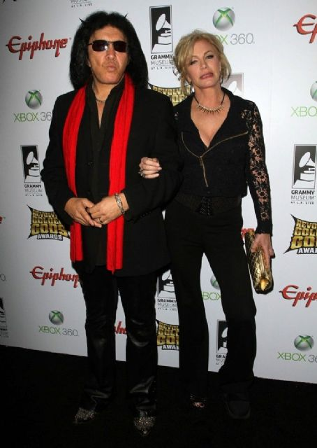 Gene Simmons - Gene and Shannon Simmons