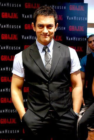 Aamir Khan  at the launch of Van Heusen Ghajini Collection
