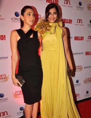 Karishma Kapoor Sonam Kapoor At HELLO! Hall of Fame Awards 2011