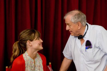 Garry Marshall - Director GARRY MARSHALL with JENNIFER GARNER on the set of New Line Cinema's romantic comedy 'Valentine's Day,' a Warner Bros. Pictures release. Photo by Ron Batzdorff