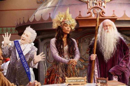 Peter Boyle Martin Short, Aisha Tyler and  in Disney's THE SANTA CLAUSE 3 The Escape Clause