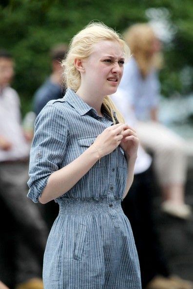 Dakota Fanning was spotted on the set of her new film, Very Good Girls, today, July 19, in Brooklyn, NY. Dakota was joined on set by costar Boyd Holbrook
