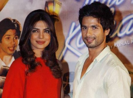 Shahid Kapoor and Priyanka Chopra at Teri Meri Kahaani Trailer Launch 2012