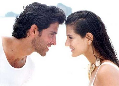 Hrithik Roshan and Amisha Patel - Hrithik Roshan and Ameesha Patel in KNPH