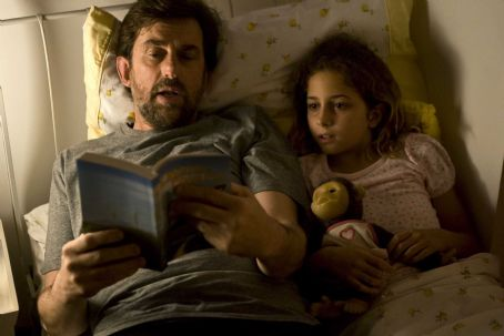 Quiet Chaos - Nanni Moretti as Pietro Paladini and Blu Yoshimi as Claudia in QUIET CHAOS, directed by Antonello Grimaldi. Photo Credit: Chico De Luigi. An IFC Films release