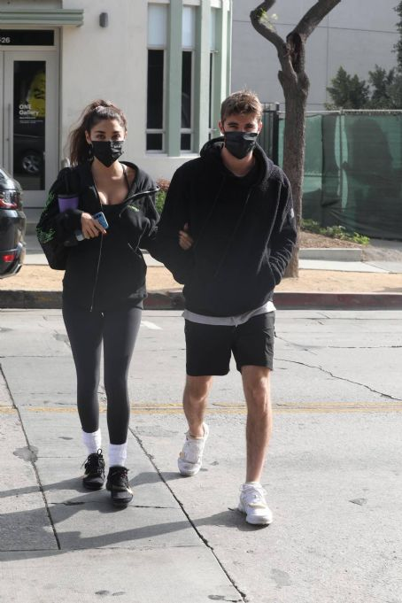Chantel Jeffries and Chainsmoker Lucas Taggart – Arriving to a workout