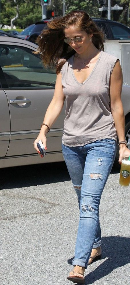 Minka Kelly: spends the afternoon shopping in Beverly Hills