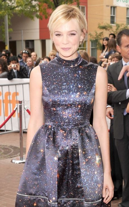 "Carey Mulligan Takes ""Never Let Me Go"" To Toronto"