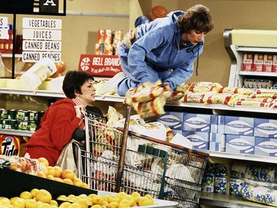 Penny Marshall - At The Supermarket