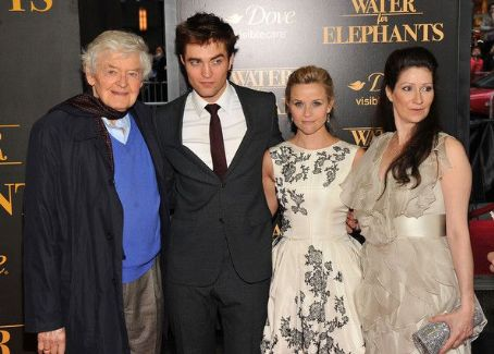 Robert Pattinson and Reese Witherspoon - Water For Elephants New York Premiere April 17, 2011