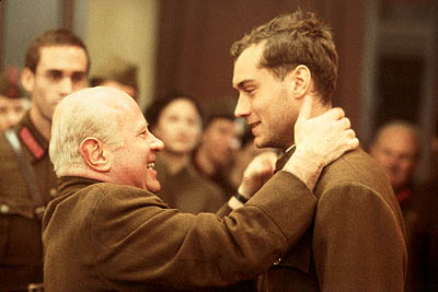 Vassili Zaitsev Bob Hoskins and Jude Law in Paramount's Enemy At The Gates - 2001