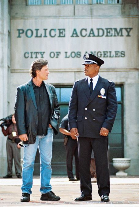 Dark Blue The L.A.P.D.'s Eldon Perry (Kurt Russell) and Arthur Holland (Ving Rhames) face off