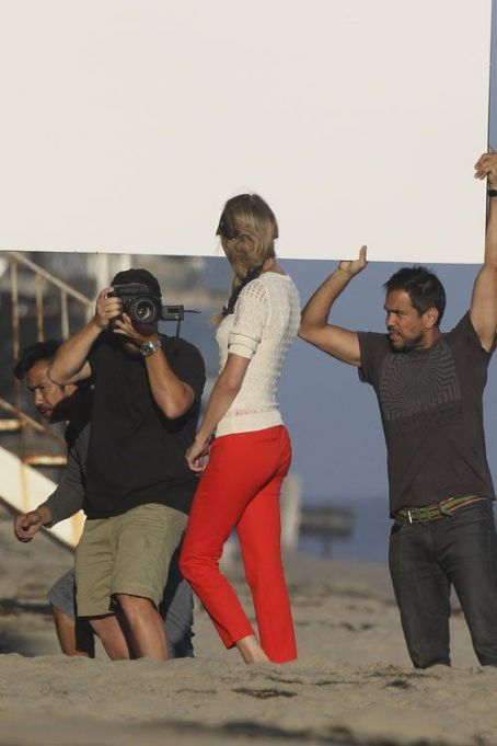Taylor Swift on the beach in Malibu for her photo shoot (July 24)