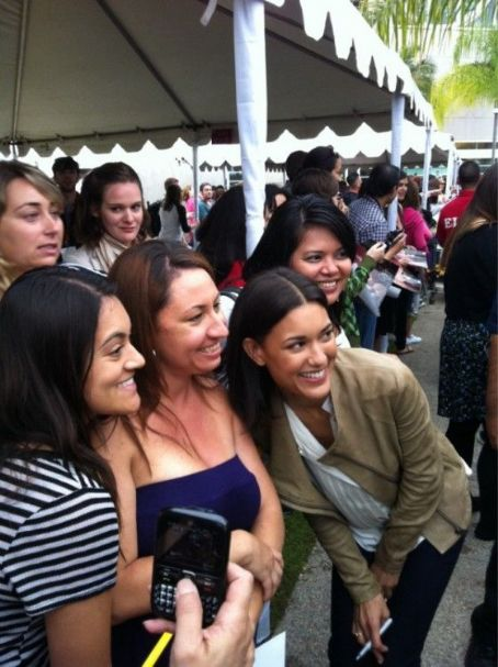 Julia Jones - 'Breaking Dawn' Cast Greet Fans In Line For Comic-Con! Stay Tuned More to Come!