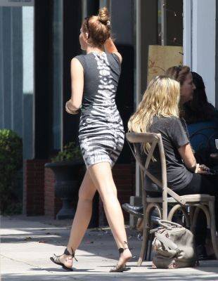 Miley Cyrus - Out for lunch in Toluca Lake [24th May]