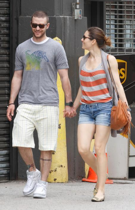 Justin Timberlake and Jessica Biel - Jessica Biel & Justin Timberlake Out In NYC, 2 May 2010