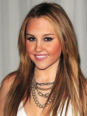 Amanda Bynes Charged with Driving with a Suspended License