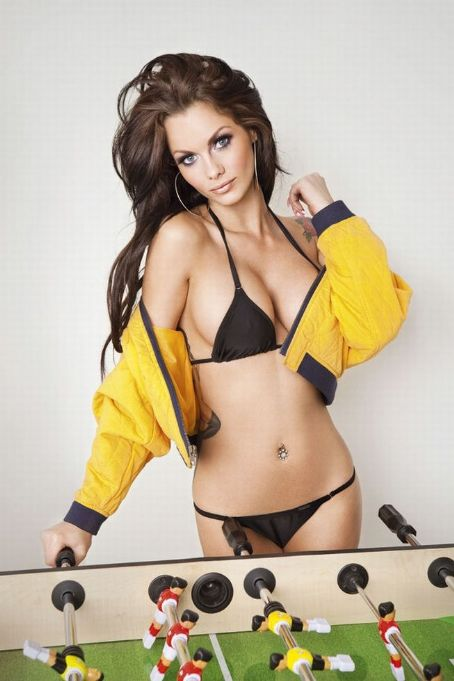 Hot Babes Jessica Jane Clement Nuts Outtakes