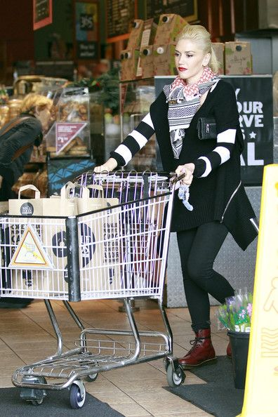 Gwen Stefani stocks up on snacks at Whole Foods in Los Angeles