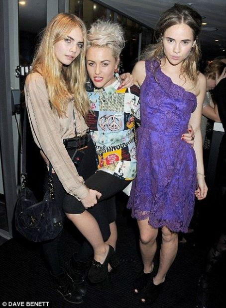 Suki Waterhouse Jaime & friends