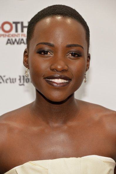 Lupita Nyong'o Hair & Beauty: Celebrity - November 30 - December 06, 2013