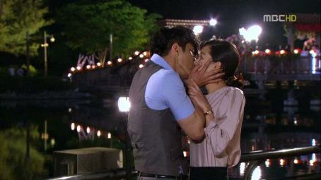 Hyo-jin Kong ''The greatest love''