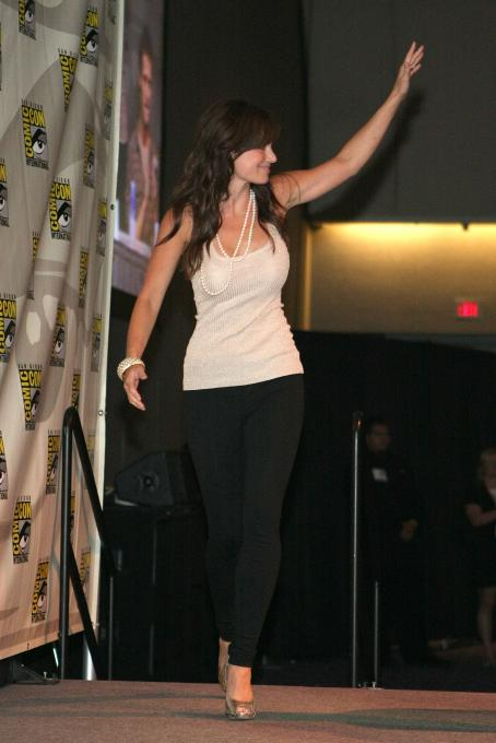 Erica Durance - 2009 Comic-Con International - Day 4, 26 Jul 2009