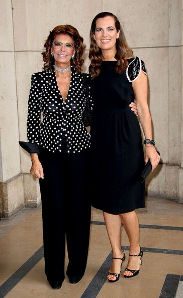 Sophia Loren - Sofia Loren attends the 'Giorgio Armani Prive' fashion show, held at the Palais de Chaillot at the Trocadero during Paris' Haute Couture Fall/Winter 2013 Fashion Week