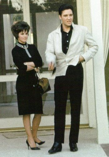 Priscilla Presley and Elvis Presley - Elvis Presley and Priscilla Presley in 1962
