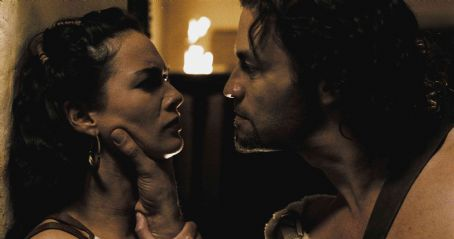 "Dominic West Theron (DOMINIC WEST) threatens Gorgo (LENA HEADEY) when she attempts to secure his support in the Spartan council in Warner Bros. Pictures', Legendary Pictures' and Virtual Studios' action drama ""300,"" distributed by Warner"