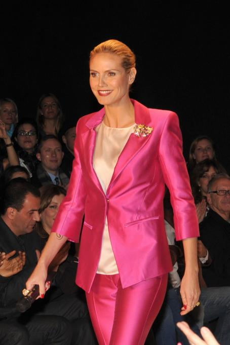 Heidi Klum - Project Runway Season 6 Finale Show In New York City, 20.02.2009.