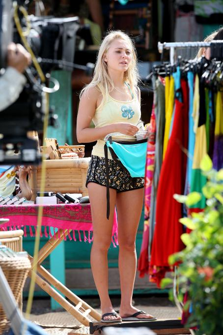 Soul Surfer AnnaSophia Robb -  Set In Hawaii, 2010-02-03