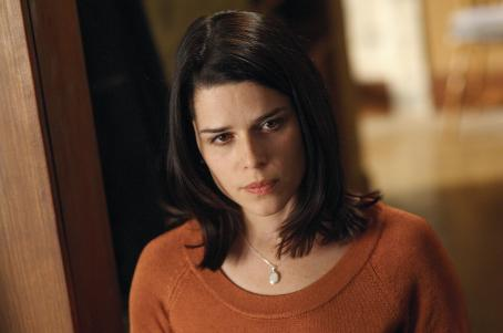 Closing the Ring Neve Campbell -