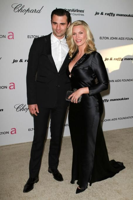 Natasha Henstridge - 19 Annual Elton John AIDS Foundation Academy Awards Viewing Party in West Hollywood - 27.02.2011