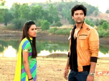 Kushal Tandon and Nia Sharma Virat and Manvi aka Virman in Ek Hazaaron Mein Meri Behna Hai Captures