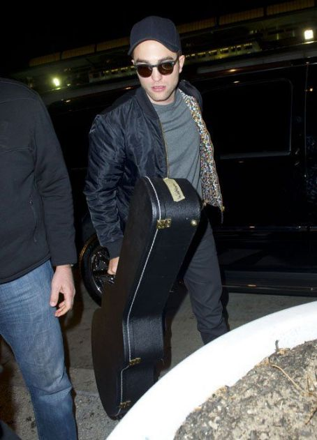 Robert Pattinson arrived at JFK Airport in New York City December 22,2012