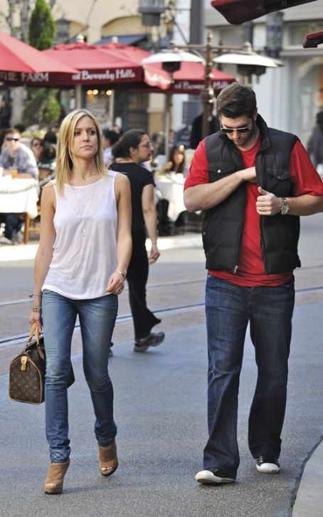Jay Cutler Kristin Cavallari and  spotted shopping in Los Angeles (January 26)