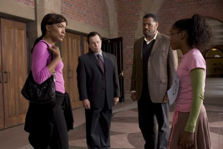 Curtis Armstrong Tanya (Angela Bassett), Mr. Welch (), Dr. Larabee (Laurence Fishburne) and Akeelah (Keke Palmer) in AKEELAH AND THE BEE. Photo credit: Saeed Adyani