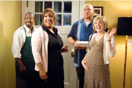 Kym Whitley (L to R) MARTIN LAWRENCE, KYM WHITLEY, WILL SASSO, GENEVA CARR in COLLEGE ROAD TRIP © Disney Enterprises, Inc. All rights reserved. Photo Credit: John Clifford.