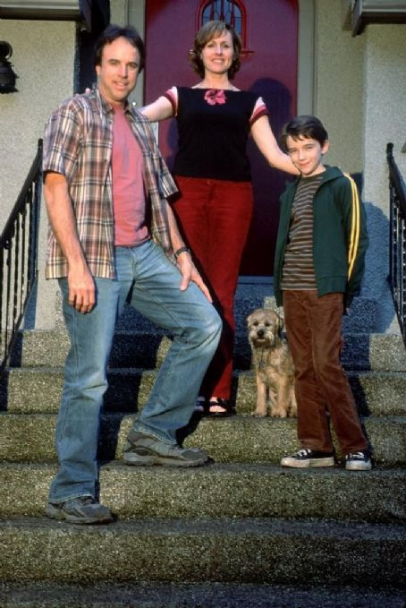 Kevin Nealon , Molly Shannon and Liam Aiken in Good Boy!