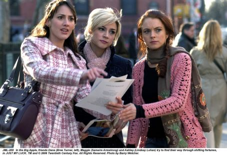 Ashley Albright In the Big Apple, friends Dana (Bree Turner, left), Maggie (Samaire Armstrong) and Ashley (Lindsay Lohan) try to find their way through shifting fortunes, in JUST MY LUCK. TM and © 2006 Twentieth Century Fox. All Right Reserved. Photo by Barry Wecher.