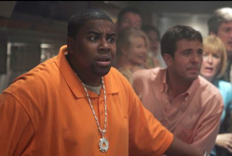 "Kenan Thompson  stars as ""Troy"" in New Line Cinema's intense action feature Snakes On A Plane. Photo Credit: James Dittiger 2005/New Line Productions"
