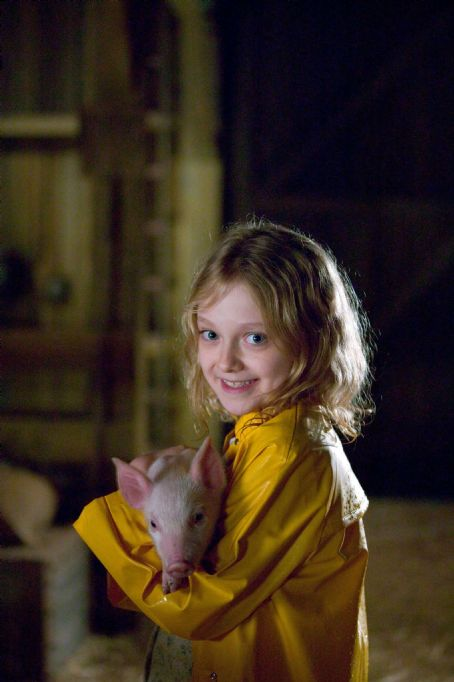 Fern Dakota Fanning plays  in Paramount Pictures' drama Charlotte's Web (2006), directed by Gary Winick